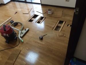床鳴り補修①